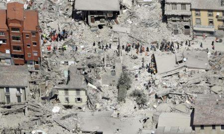 vista dall'alto del Comune di Amatrice dopo il sisma del 24 agosto